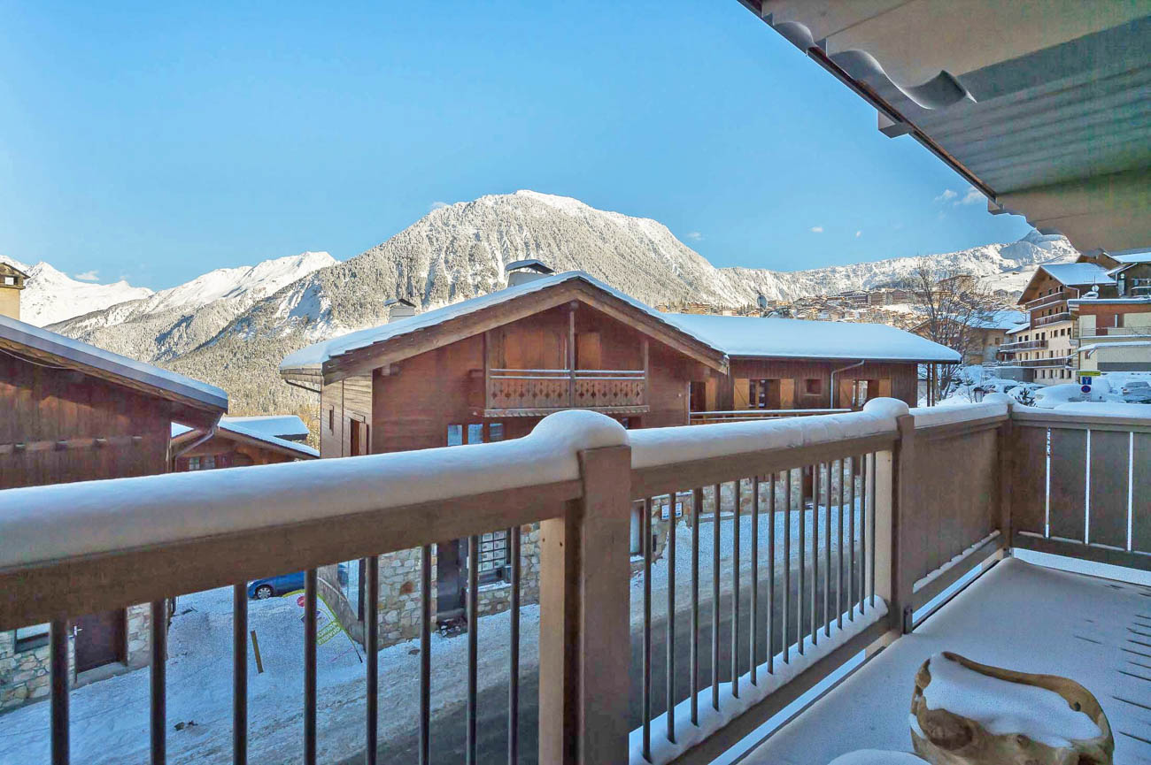 luxury villa rentals Algia